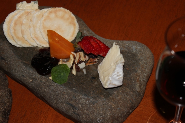 Mt. Tamborine Witches Chase Cheese res